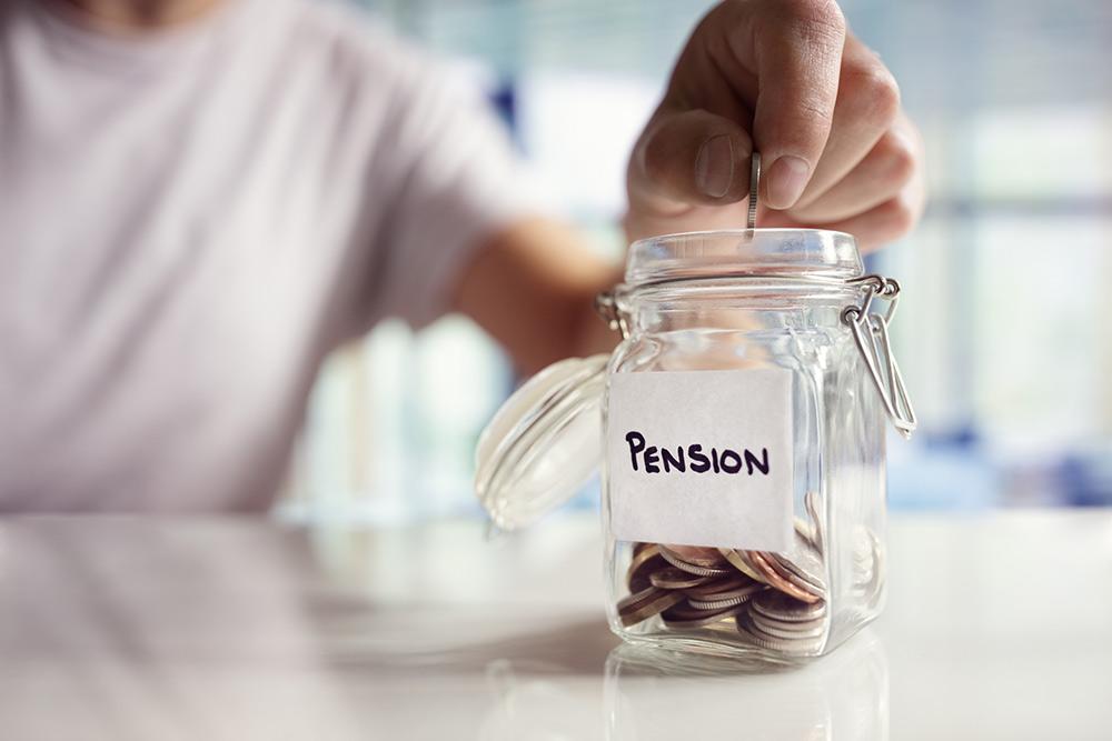 Small & big pension pots – do annuities beat drawdown?